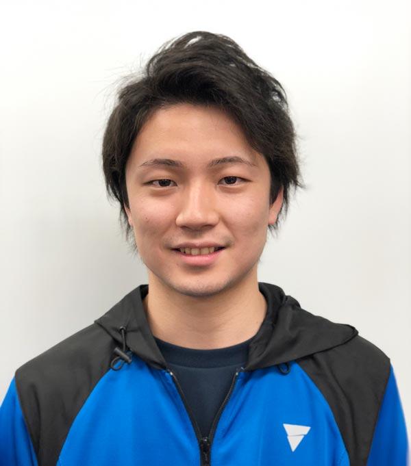尾留川コーチ写真